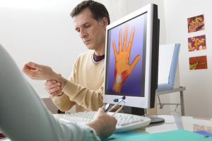 How to Treat Carpal Tunnel Syndrome